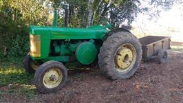 Trator John Deere R 4x2 ano 56
