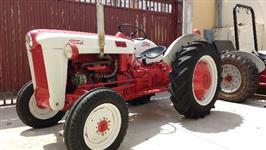 Trator Antigo - FORD 650 - ano 1956