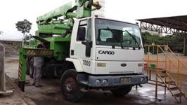 Caminhão  Ford CARGO 2425   ano 01