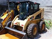 MINI CARREGADEIRA CATERPILLAR 236B SERIES 3 2011