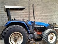 Trator Ford/New Holland TM 135 4x4 ano 04