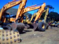 ESCAVADEIRA HYNDAI R 220 ANO 013