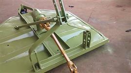 Roçadeira KAMAQ, 1.5 m. com roda, transmissão direta, com fricção