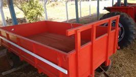 Carreta 4.000 kg. 4 rodas, carroceria de madeira