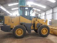 Trator Carregadeiras LN935 4x4 ano 13