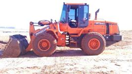 Carregadeira DL 250 2010