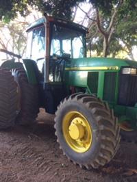 Trator John Deere 7810 4x4 ano 03