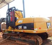 Escavadeira Caterpillar 320 - Ano 2003 -