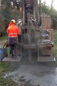 Serviços de perfuração de poços artesianos, semi e mini-poços no Sul de Minas