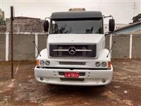 Caminhão  Mercedes Benz (MB) 4 x 2  ano 10