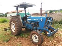 Trator Ford/New Holland 4600 4x2 ano 84