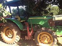 Trator John Deere 5065 E 4x4 ano 11