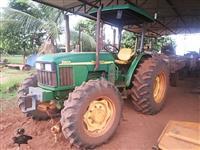 Trator John Deere 5603 4x4 ano 13