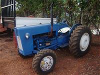 Trator Ford/New Holland 8 BR 4x2 ano 64