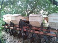 Cultivador adubador, Marca Baldan, com 4 caixas duplas, e 8 discos