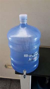 Galão de 20 litros com torneira
