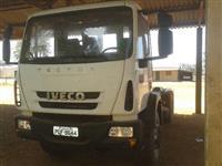 Caminhão  Iveco tector 260E28 6x2  ano 13
