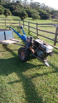 Mini/Micro Trator GreenHorse 4x2 ano 05
