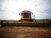 Colheitadeira CR 9060