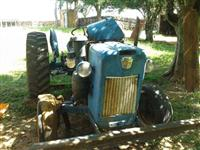 Trator Ford/New Holland 8 BR 4x2 ano 73