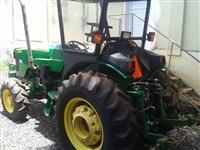 Trator John Deere 5425N 4x4 ano 09