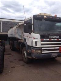 Caminhão  Scania P400  ano 05