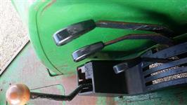 Trator John Deere 5600 4x2 ano 00