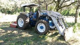 Trator Ford/New Holland 5610 4x4 ano