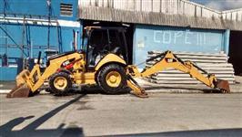 Retroescavadeira Caterpillar 416E 4x4