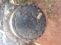 Redutor de roda e motor hidráulico com freio