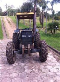 Trator Valtra/Valmet 685 4x4 ano