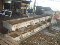 Picador de madeira.
