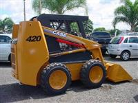 Mini Carregadeira Case tipo Bobcat