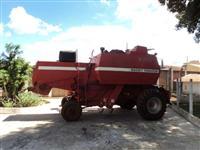 Colheitadeira MF 3640 ano 1985 com 02 bocas milho / 01 soja