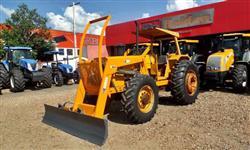 Trator Valtra/Valmet 138 4x4 com Lamina TATU  4x4 ano 83