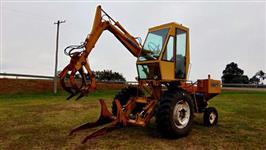 Trator Carregadeiras Motocana Valmet  885 4x2 ano 90
