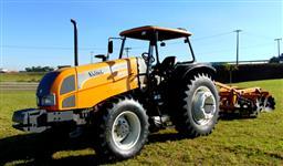 Trator Valtra/Valmet BM 125 4x4 ano 09 COM CONJUNTO DE LÂMINA NOVO E GRADE ARADORA 20X28 NOVA