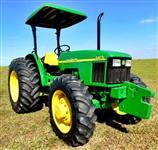 Trator John Deere 5403 4x4 ano 04