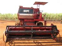 Colhedeira de soja modelo 3640 ano 1982