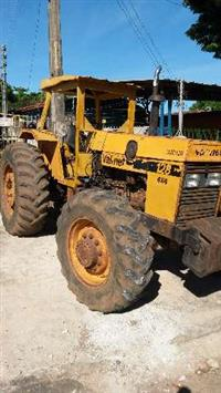 Trator CBT 8260 4x4 ano 89