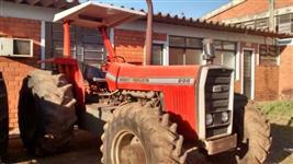 Trator Massey Ferguson ANO 1987 ENTRADA DE 17.800 E O SALDO NO PRAZO  4x4 ano 88