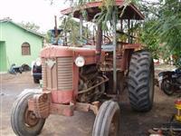 Trator Massey Ferguson 95 X 4x2 ano 76