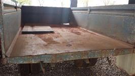Carreta de 1 eixo filipado basculante com pistão para 4 ton