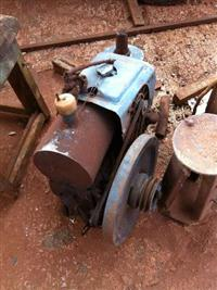 Motores de 9 cv marca Tobata