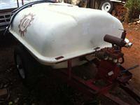 Pulverizador de 2.000 litros com bomba