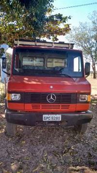 Caminhão  Mercedes Benz (MB) 709  ano 94