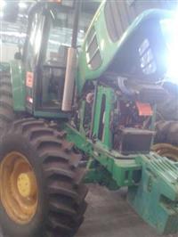 Trator John Deere 6110 4x4 ano 11