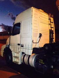 Caminhão  Volvo NH12 380  ano 01