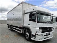 Caminhão  Mercedes Benz (MB) 2425 6x2  ano 10