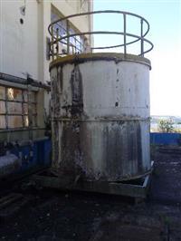 tanque em aço carbono